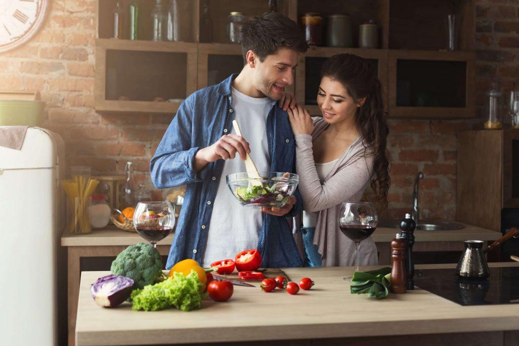 הם רק שנה נשואים וכבר שואלים את עצמם – יחסינו לאן?
